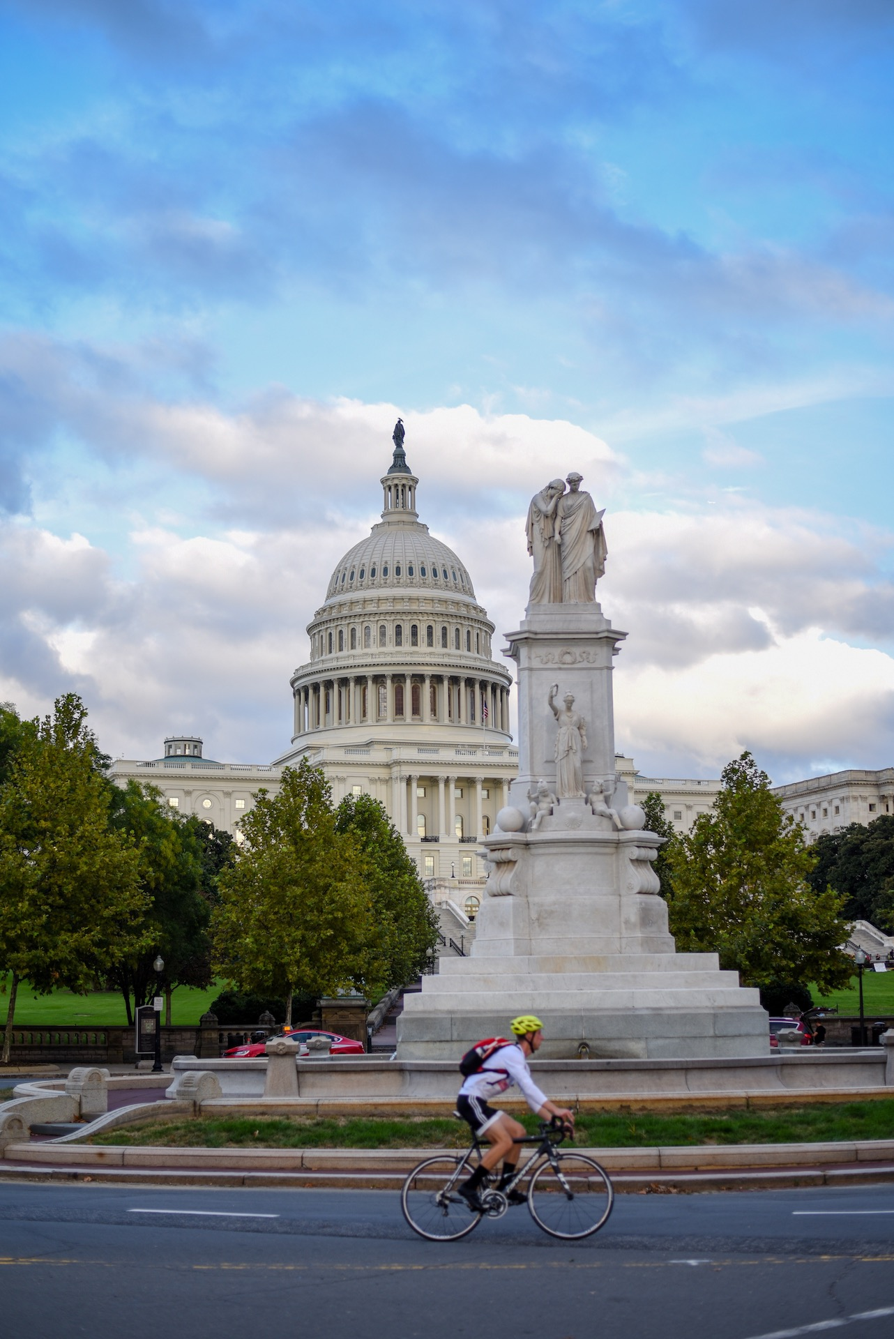 US Capitol Building, with statue in front